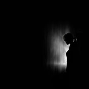 oppreisningvoldtekt 180x180 - Hvor mye kan man få i oppreisning etter seksuelle overgrep?
